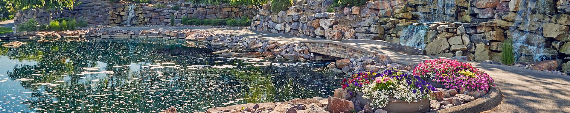 Landscaping rock crushed limestone rock boulders for Landscaping rock estimator